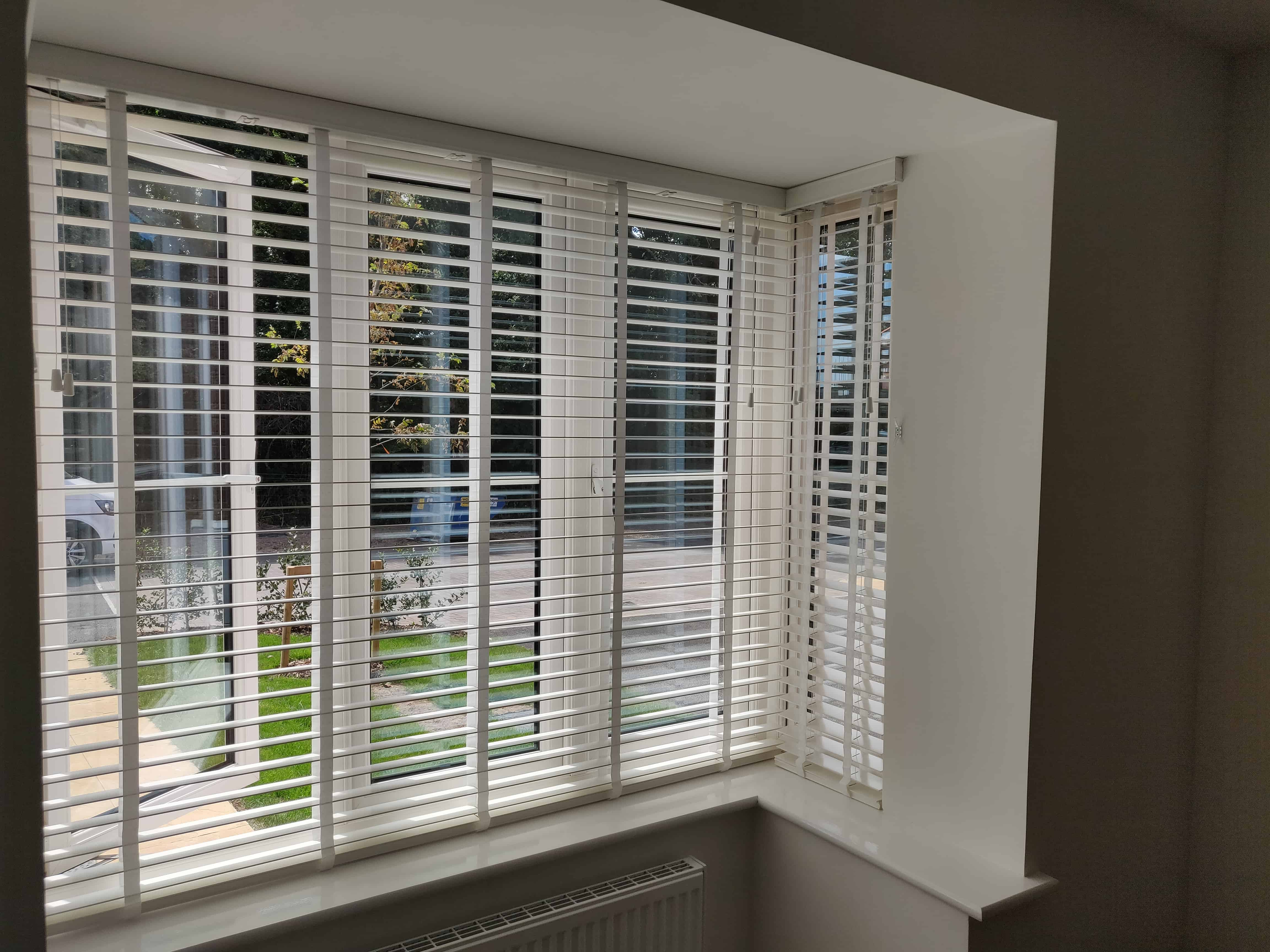 Bay window venetian blinds southampton sholing